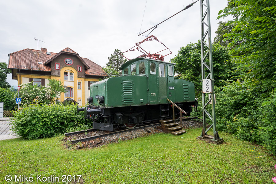 Localbahnhof Murnau mit E69 04 am 05.06.2017