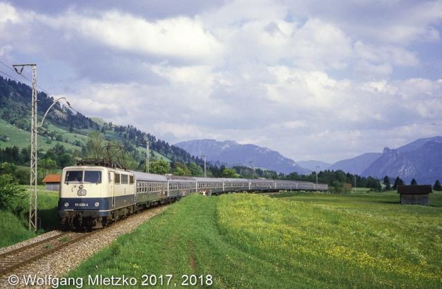 111 020-4 Passionsspielsonderzug bei Altenau am 09.06.1984