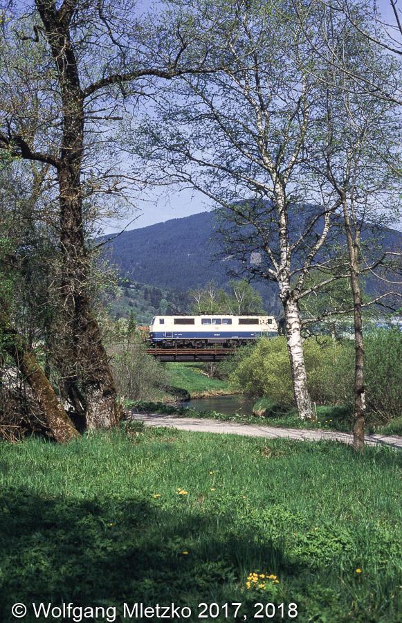111 194-7 bei Unterammergau am 09.05.1998
