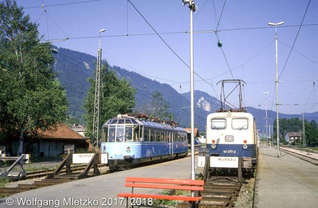 141 377 und 491 001 (Gläserner Zug) in Oberammergau am 15.08.1983