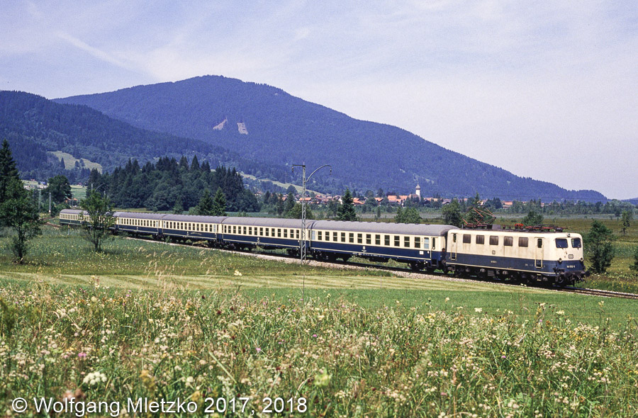 141 012 bei Oberammergau Sonderzug am 28.07.1990