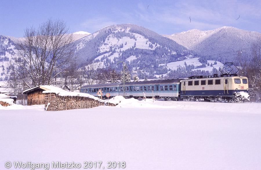 141 027 bei Unterammergau am 12.02.1999