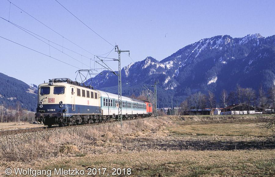 141 238 und 141 360 bei Oberammergau am 16.02.2001