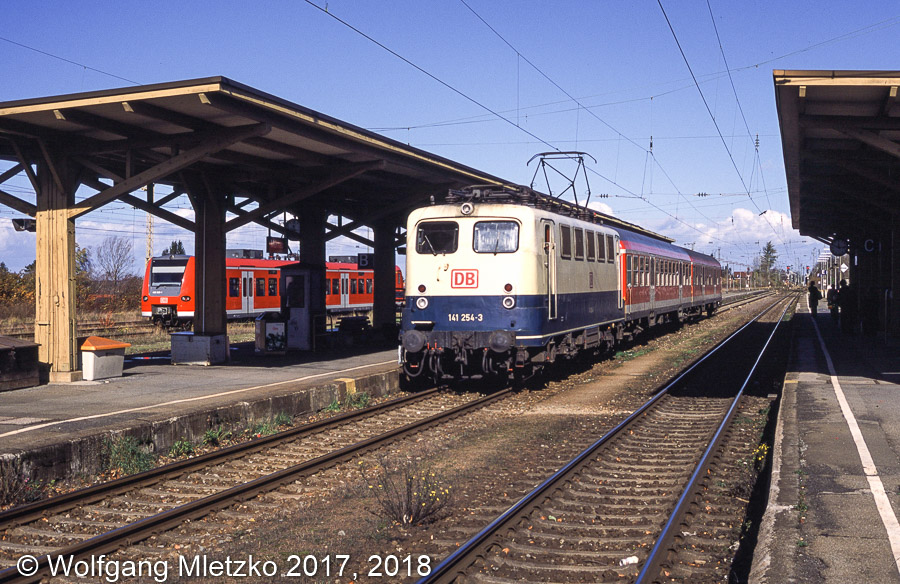 141 254-3 in Murnau am 26.10.2002