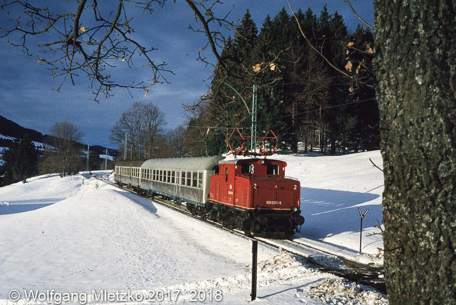 169 005-6 bei Jägerhaus am 13.12.1980