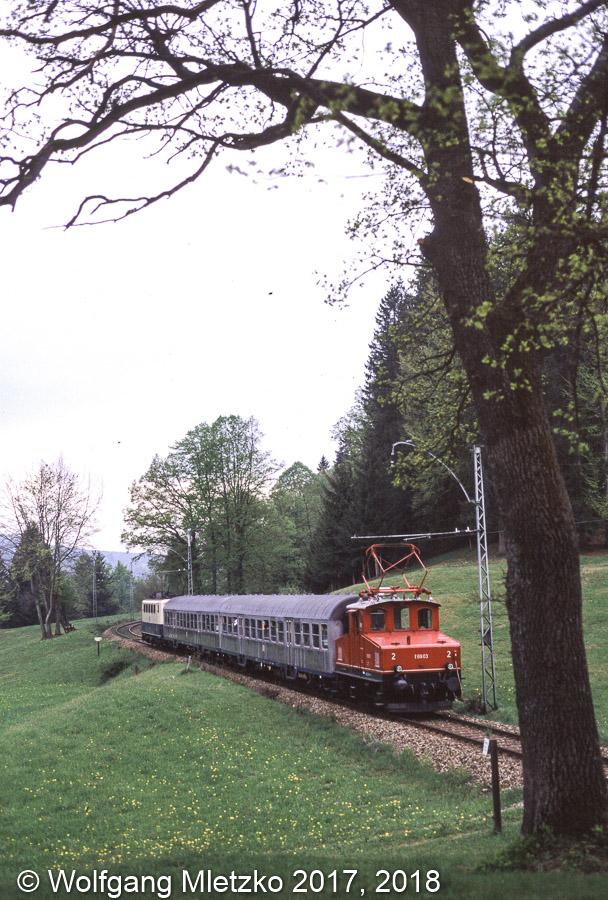 169 002-3 bei Jägerhaus am 30.04.2000