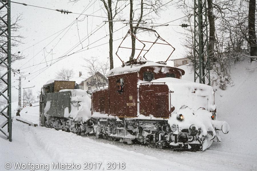 169 005-6 mit Klima-Schneepflug in Bad Kohlgrub 07.12.1980