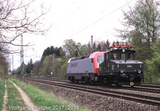 E69 02 bei Stockdorf mit Eurosprinter am 30.04.1999